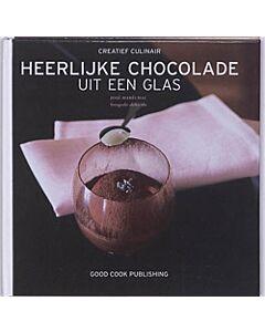 Heerlijke chocolade uit een glas