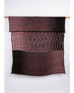 by TextielMuseum plaid Jongeriuslab introduces Simone Post 145 x 119 cm zwart-roze