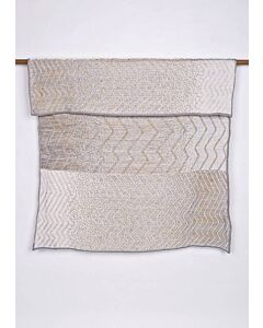 by TextielMuseum plaid Jongeriuslab introduces Simone Post 145 x 119 cm grijs-geel